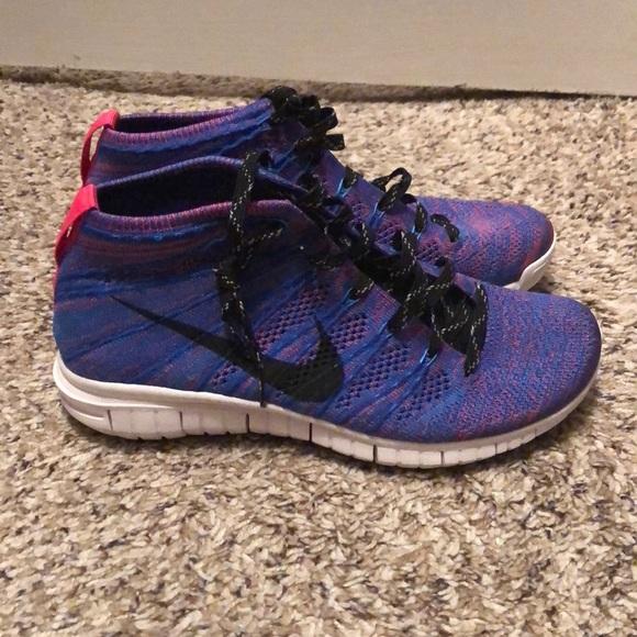 e5b144bc7f0d Women s purple Nike flyknit chukka. M 5b17692cf63eea178d385c1d